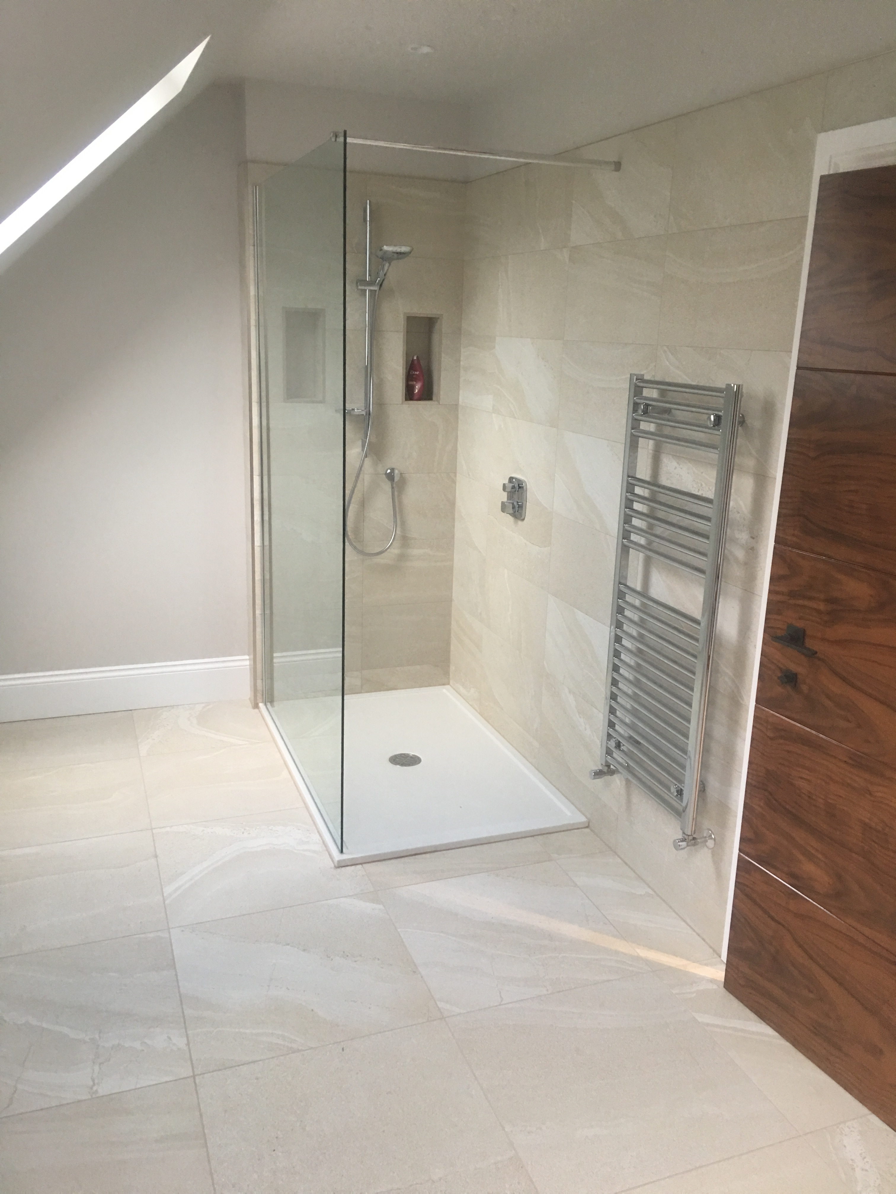 Bal provides solution for cheshire mansion tilezine a total of 400sq m of tiling was completed on both the ground and first floor of the property including the kitchen four bathrooms and a cloak room over a dailygadgetfo Gallery