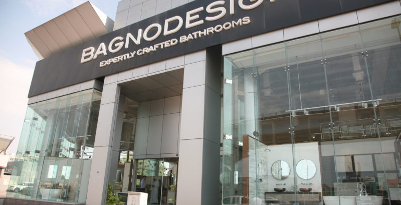 Real stone tile secure place in national campaign tilezine for Showroom bagno